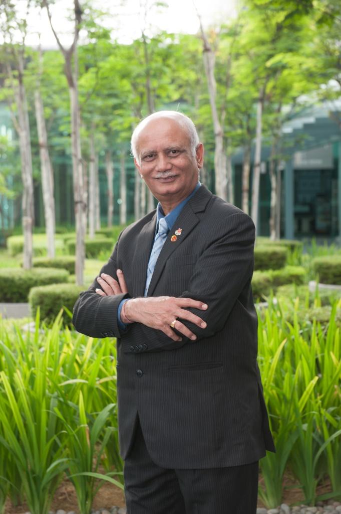 Mr. Suresh Kumar J. Gorasia